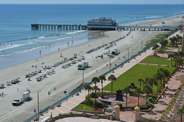 Visit Daytona Beach This Fall @EclecticEveryday
